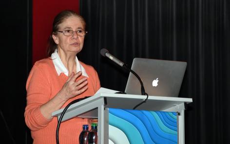 La rectrice de l'Université de Lausanne, Nouria Hernandez, a ouvert la soirée d'inauguration du Centre LIVES, en disant sa fierté de l'accueillir au sein de l'UNIL. @Martine Dutruit